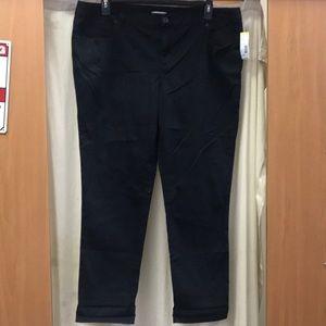 Bongo Black Jean Capri Size 20
